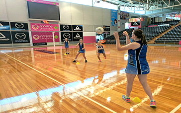 Netball Plays: Lateral Leading Under Pressure